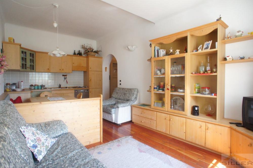 komplett eingerichtete 3 z wohnung mit garage immobilien siller. Black Bedroom Furniture Sets. Home Design Ideas