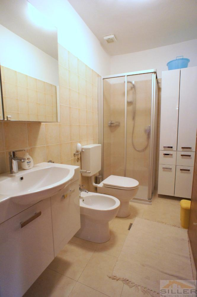 Dusche WC (kein Waschmaschinenanschluss)