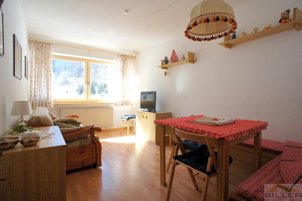 g nstige 2 z wohnung in dorflage immobilien siller. Black Bedroom Furniture Sets. Home Design Ideas